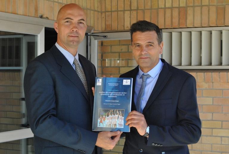 El Olímpico Demetrio Lozano se doctora con una tesis observacional de Balonmano